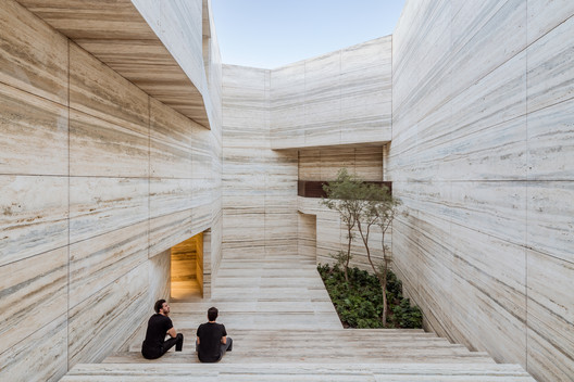 The Beauty of Marble in Interiors and Facades
