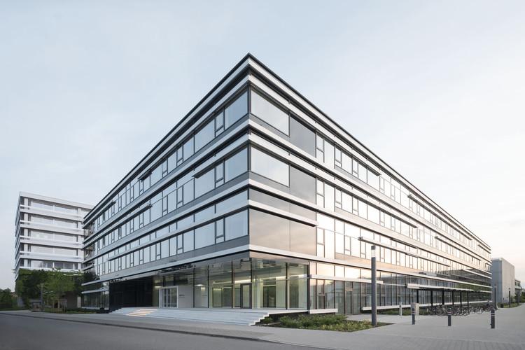 German Cancer Research Centre / Heinle, Wischer und Partner, © Brigida González
