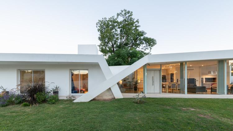Casa X / Sincresis Arquitectos, © Gonzalo Viramonte