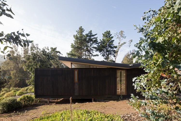 Residência origami / Mas Fernandez Arquitectos + OR Arquitectos. Imagem: © Nico Saieh