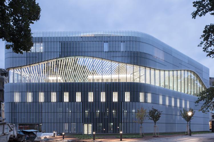 Paracelsus Bad & Kurhaus Swimming Facilities  / Berger+Parkkinen Associated Architects, © Christian Richters