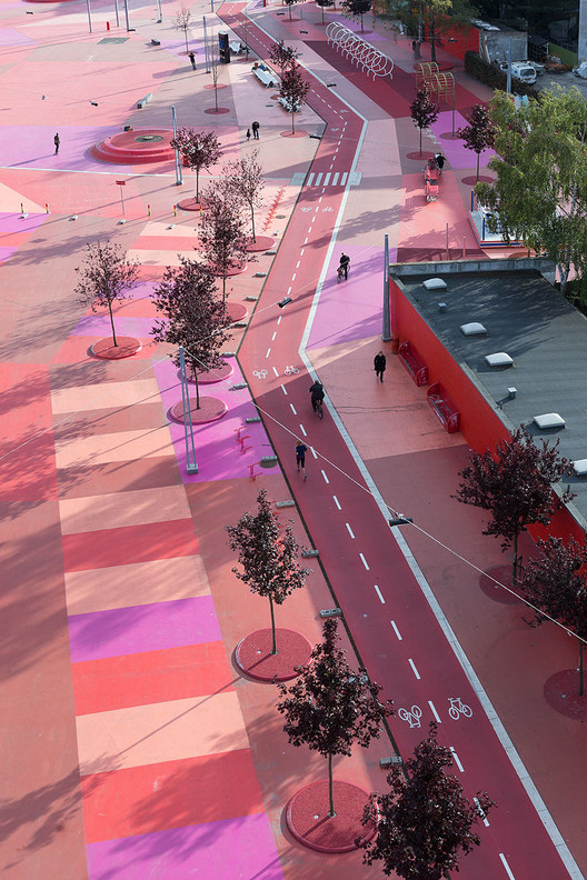 © Iwan Baan. ImageSuperkilen / Topotek 1 + BIG Architects + Superflex