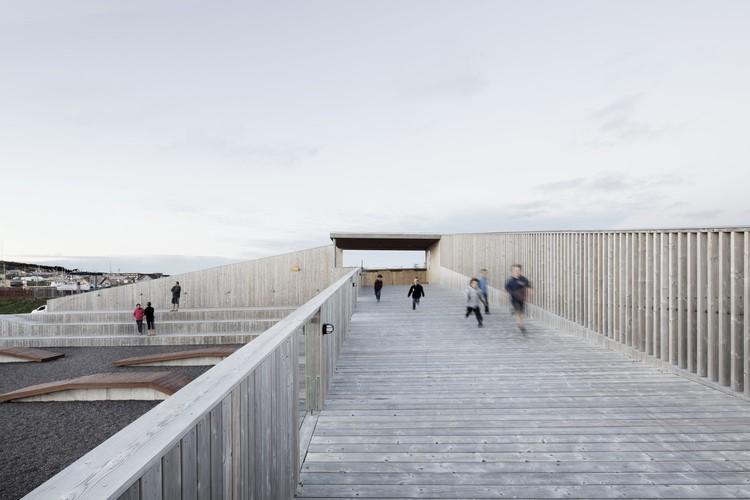 © Adrien Williams. ImagePlace des Gens de Mer / Bourgeois Lechasseur Architects
