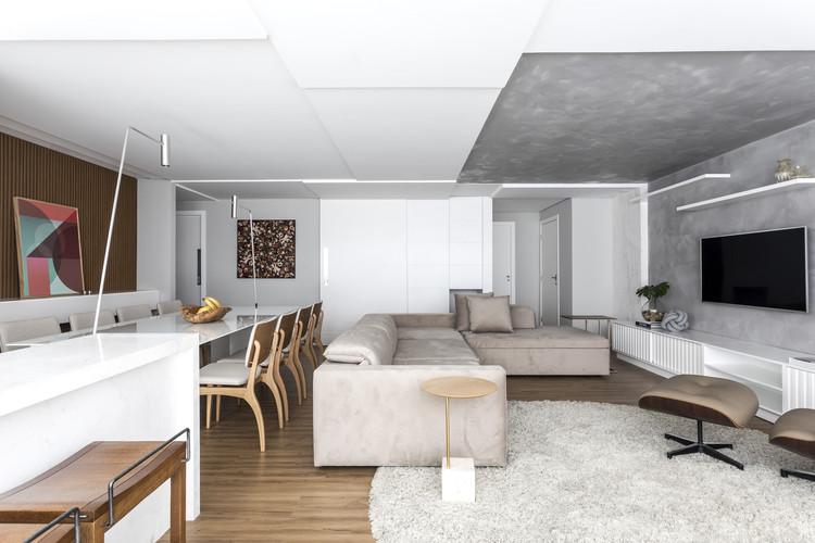 Apartamento Foto / Giuliano Marchiorato Arquitetos, © Eduardo Macarios