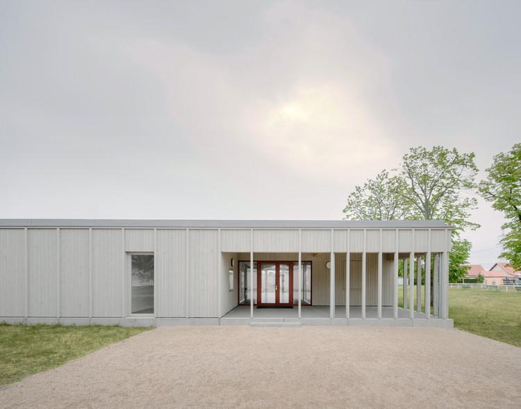 Kegelbahn Wülknitz Bowling & Sports Facilities / KO/OK Architektur, © Simon Menges