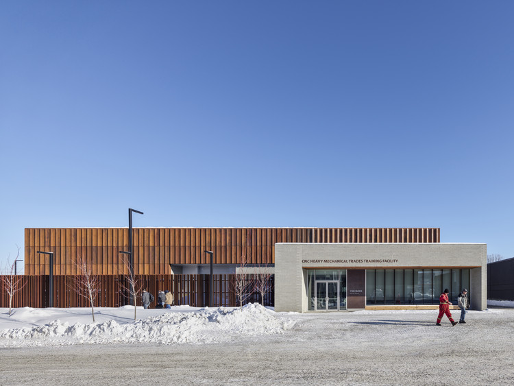 CNC Heavy Mechanical Trades Training Facility / Office Of Mcfarlane Biggar Architects + Designers Inc., © Andrew Latreille Photography