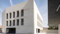 Le Monticole Housing  / LAND + Bag Architecture