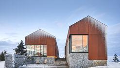 Smith House  / MacKay-Lyons Sweetapple Architects