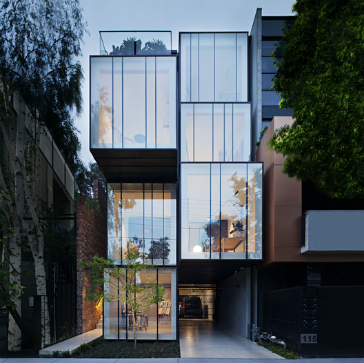 Wellington St Mixed Use / Matt Gibson Architecture + Design