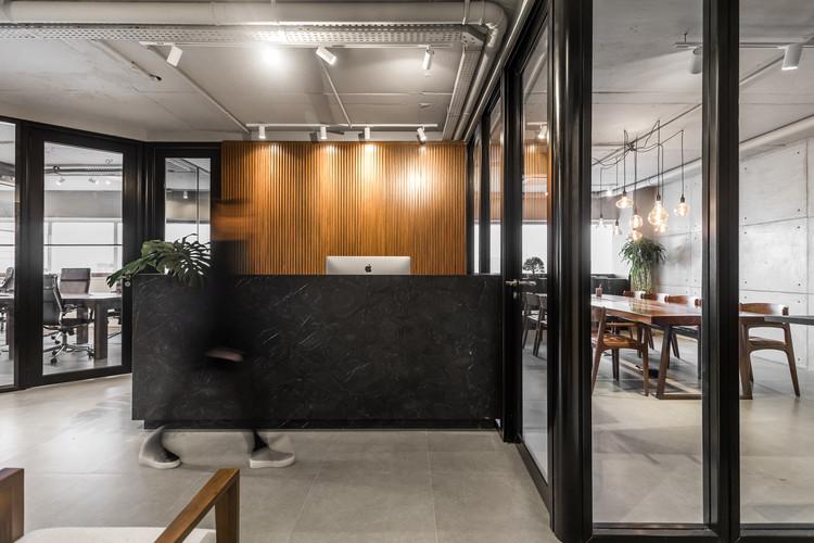 Escritório Allez Invest / Giuliano Marchiorato Arquitetos, © Eduardo Macarios