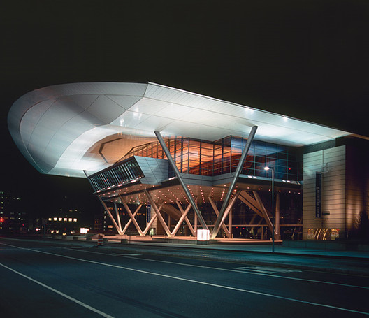 Rafael Viñoly / Boston Convention and Exhibition Center. Image © Groupe Canam [Wikimedia] Bajo licencia CC BY-SA 3.0