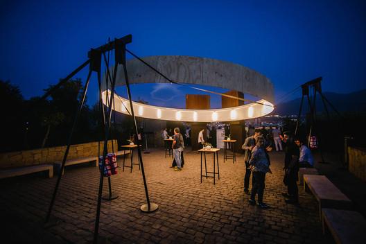 6 Instalaciones en el Cerro San Cristóbal para premiar lo mejor de la arquitectura en Latinoamérica