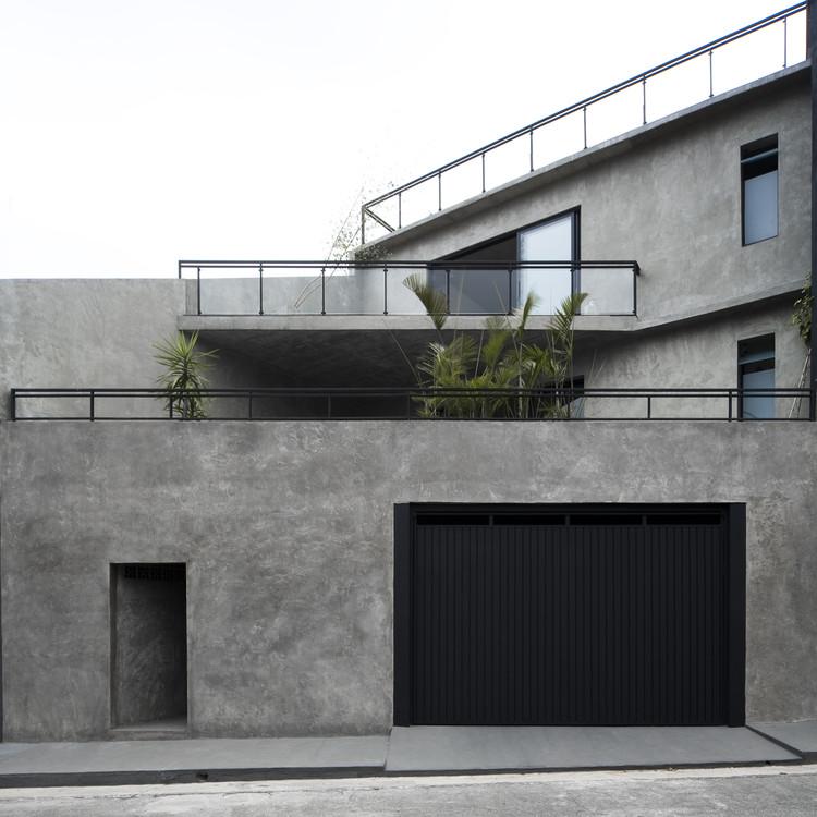Casa Paris / Casa14 Arquitetura, © Leonardo Finotti