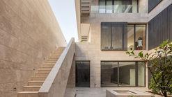 Casa em Mishref / Studio Toggle