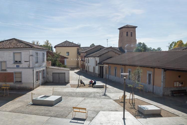 Nueva plaza del Ayuntamiento en Mansilla Mayor / Ocamica Tudanca arquitectos, © Iñigo Ocamica, Iñigo Tudanca