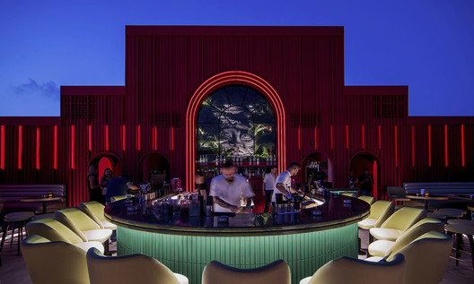 BAU Rooftop Lounge Bar / Rabih Geha Architects