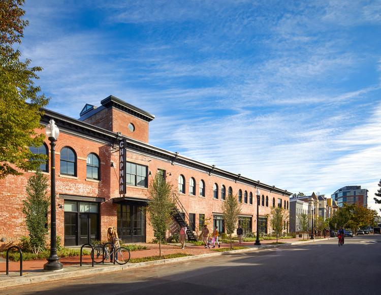 Comunidad de viviendas / Studio Twenty Seven Architecture, © Anice Hoachlander, Hoachlander Davis Photography