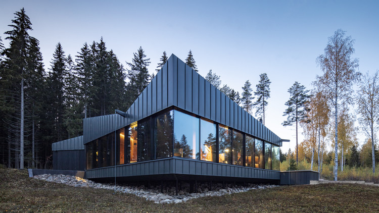 3 Square House / Studio Puisto, © Marc Goodwin, Archmospheres
