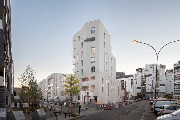 61 apartments in IVRY / Tectône, © Cyrille Lallement