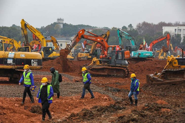China is Building a Hospital in 6 Days to Fight Wuhan's Coronavirus, Courtesy of Yuan Zheng/Utuku/Ropi/Zuma Press