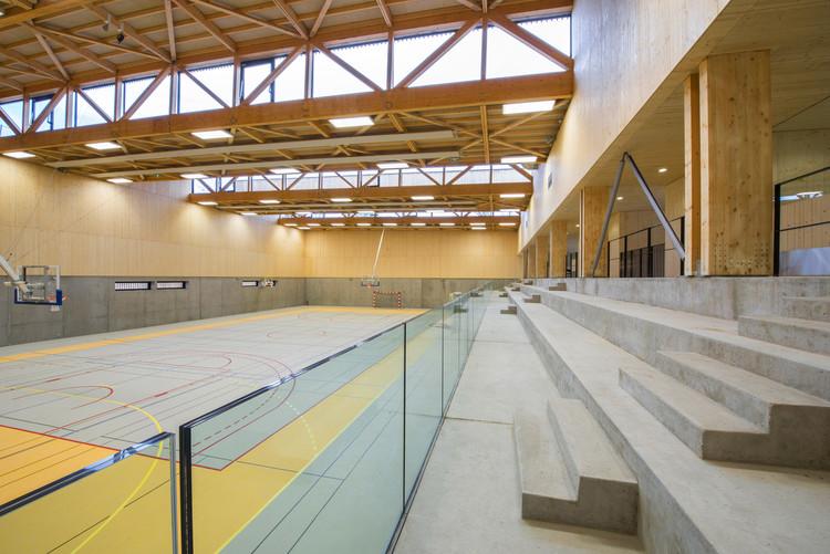 Hacine Cherifi Gymnasium / Tectoniques Architects. Imagem © 11h45