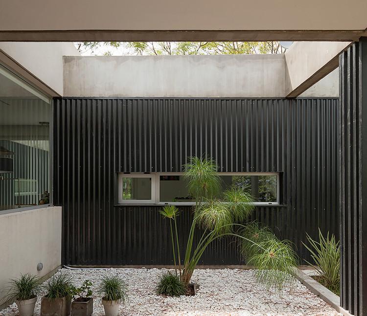 Casa en El Pinar / Nicola Pechis.  Imagen © Federico Cairoli