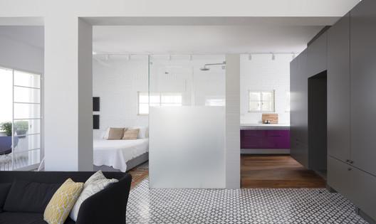 The Rabbithole Apartment / Havkin Architects