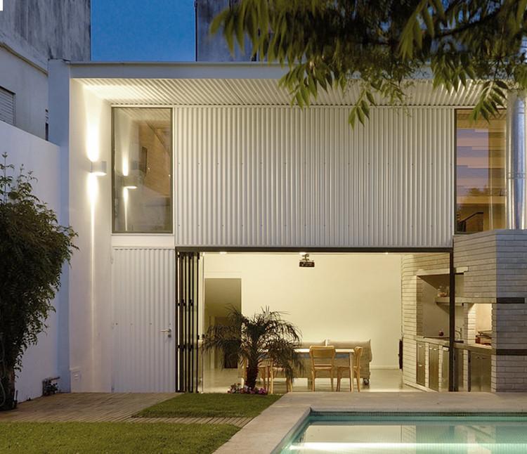 PH Loft Arias / Hitsik Militello Architectos.  Imagen © Masterpix
