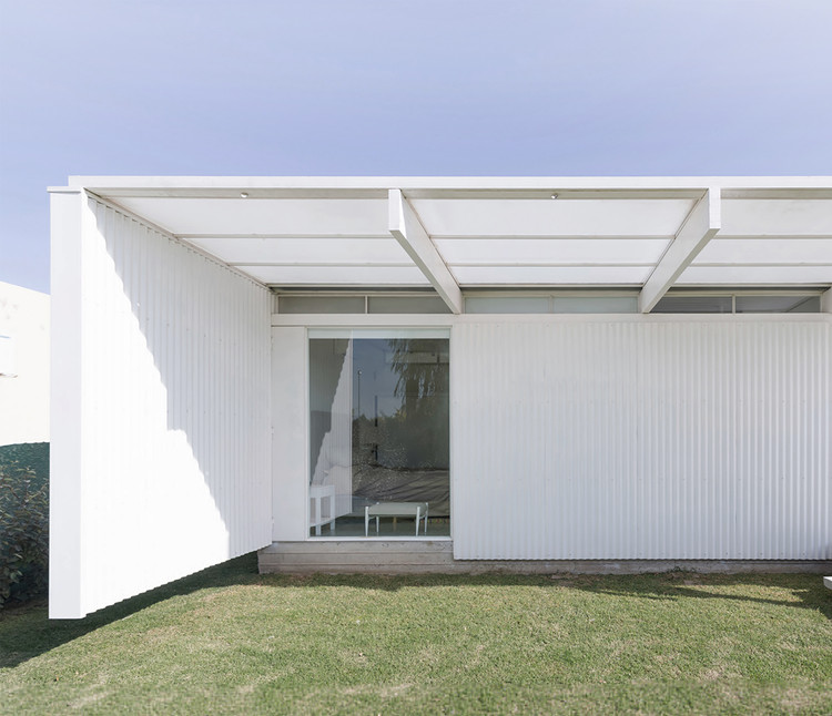 Casa en El Maiten / Bernardo Rosello - Arquitectura.  Imagen © Ramiro Sosa