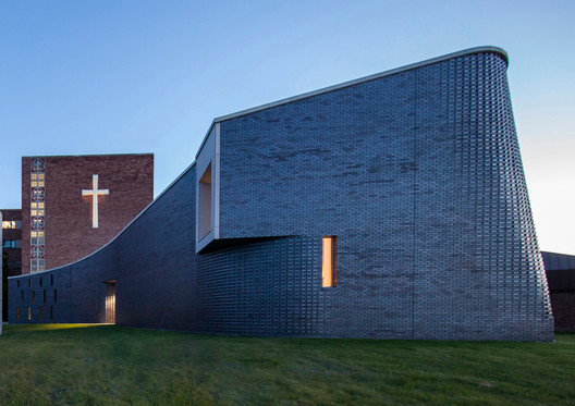 St. Mary Chapel / PLY+