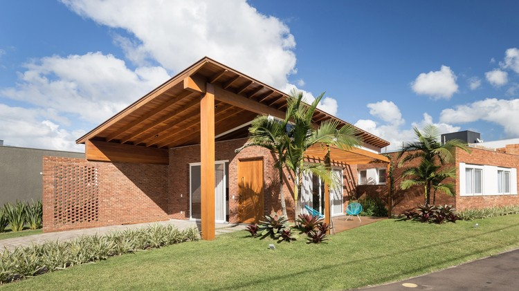 Casa Malibu H25 / Íntegra Studio Arquitetura, © Marcelo Donadussi
