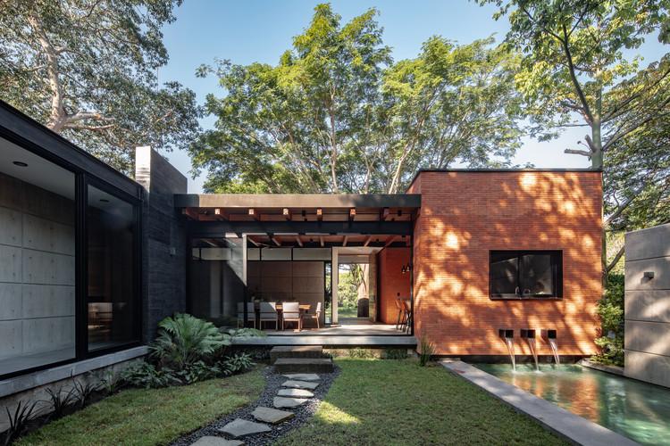 Casa Keita / Di Frenna Arquitectos, © Onnis Luque