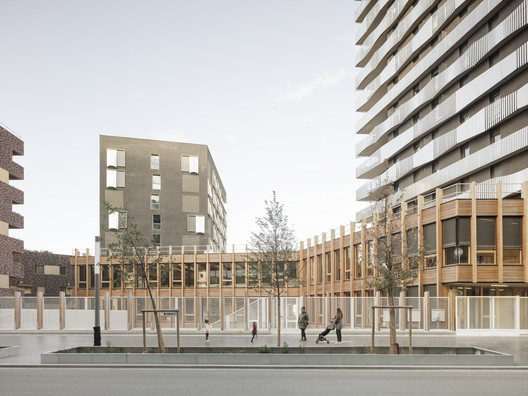 O6A LOT Housing  / SAM architecture + Querkraft