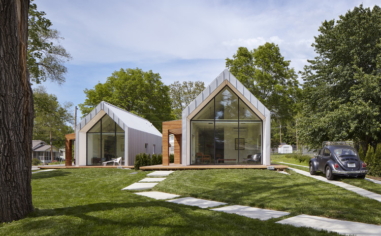Casas en Oak Hill Avenue / Studio 804, © Corey Gaffer