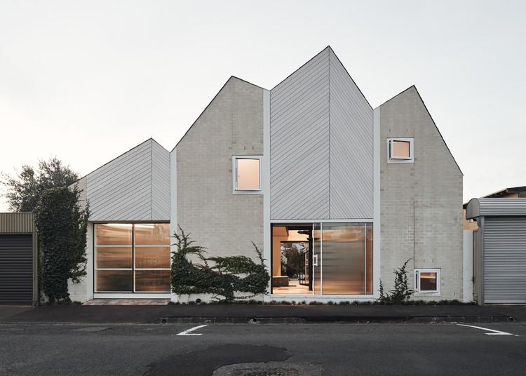 RaeRae House / Austin Maynard Architects, © Peter Bennetts