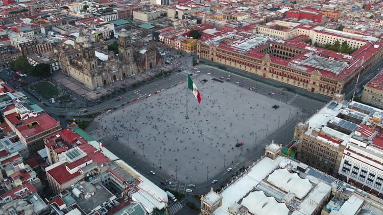 Remodelación de la Plaza de la Constitución (El Zócalo) en la Ciudad de México por LUCIO MUNIAIN et al y FUNDAMENTAL, © Santiago Arau