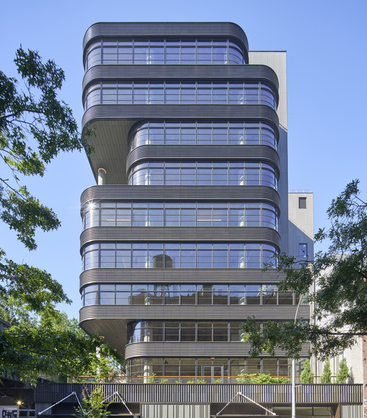 Edificio de oficinas 512 West 22nd Street / COOKFOX Architects