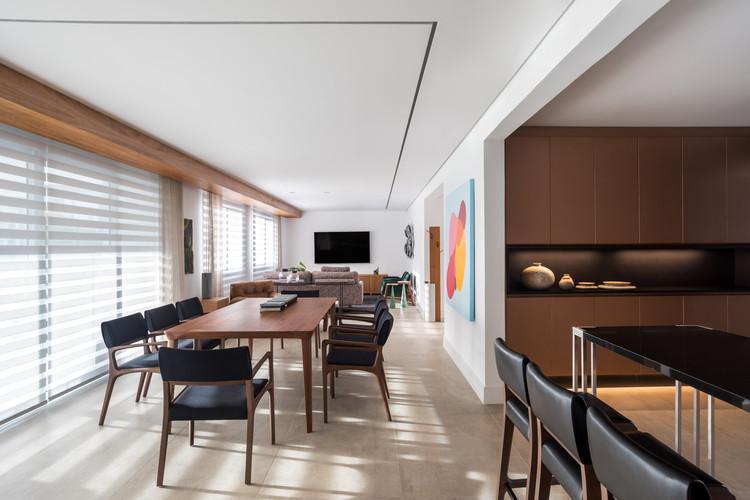 Apartamento EJR / Schuchovski Arquitetura, © Eduardo Macarios