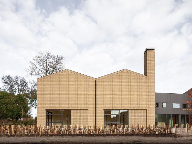 Escola Primária Veerkracht / Studio Ard Hoksbergen + Studioninedots, © Milad Pallesh