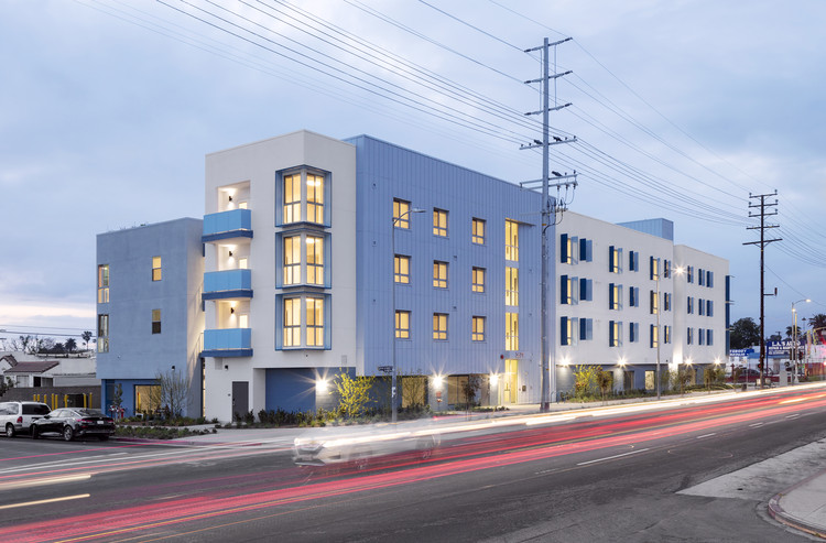 Metro at Western Housing / the architects collective, © Panic Studio LA