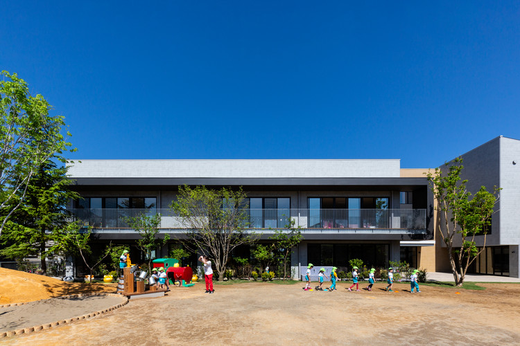 EZ 幼儿园,阶梯空间搭建趣味游戏场所  / 日比野设计 + Kids Design Labo, © Toshinari Soga (studio BAUHAUS)