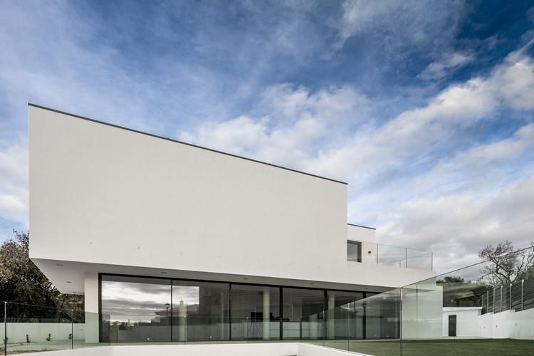 Casa FG 30 / Sérgio Miguel Godinho Arquiteto, © João Guimarães