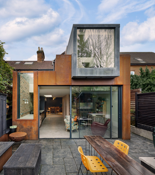 Malone House / Adam Knibb Architects