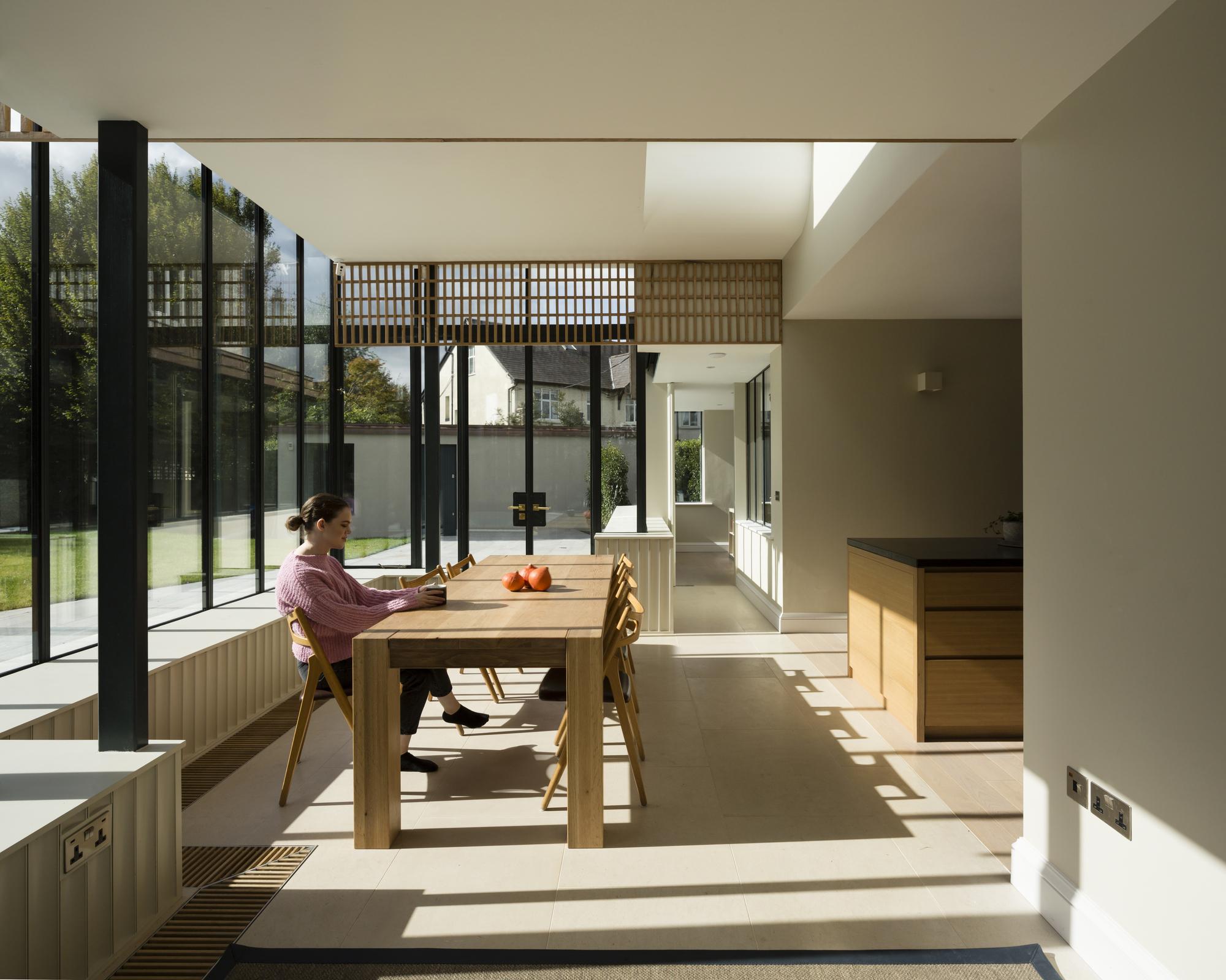 Glass Ribbon / Scullion Architects