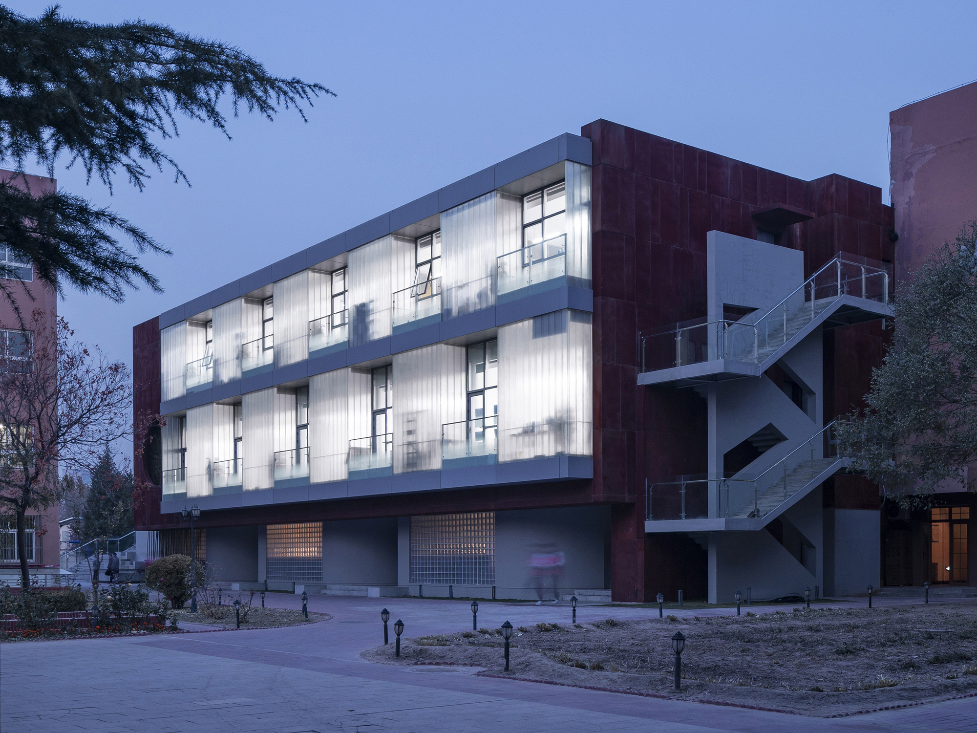 International Department of Beijing Private JunYi Middle School / EDO ARCHITECTS