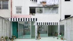Apartamento com um piso menta no Porto / fala