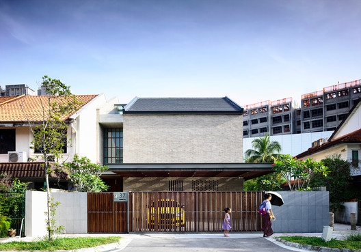 A Tale of Two Courts House / HYLA Architects