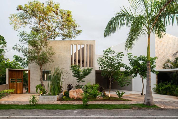 Arquitectura en México: casas para entender el territorio de Mérida, Yucatán, Casa del lago / TACO taller de arquitectura contextual. Image © Leo Espinosa