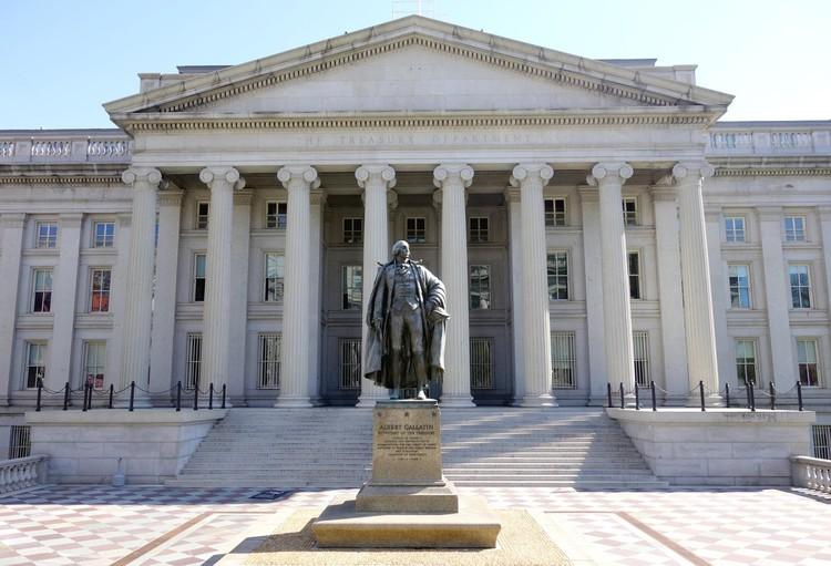 Donald Trump emite ordem executiva para que os edifícios federais dos EUA sigam o estilo clássico, Karen Nutini, Edifício do Tesouro dos Estados Unidos. Imagem via Shutterstock