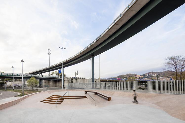 Landskating, un documental sobre la construcción de parques deportivos urbanos en Barcelona, © Adrià Goula